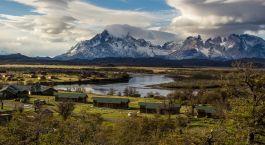 Schu00f6ne Ausblick in den Nationalpark im Hotel Cabau00f1as del Paine, Torres del Paine in Chile