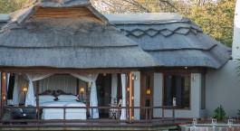 Auu00dfenansicht von Jamala Madikwe Royal Safari Lodge in Madikwe Wildschutzgebiet, Su00fcdafrika