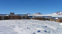 Auu00dfenansicht vom Hotel Tayka del Desierto in Ojo de Perdiz, Bolivien