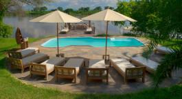 Swimmingpool im Kanyemba Island Bush Camp in Lower Zambezi, Sambia