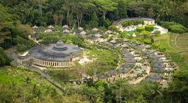 Overview von dem Amanjiwo Hotel in Indonesien, Borobudur