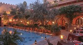 Dinner im Freien im La Maison Arabe Hotel in Marrakesch, Marokko