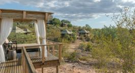 Balkonaussicht einer Gu00e4stelodge im Simbavati Hilltop Lodge Hotel, Zentraler Kru00fcger, Su00fcdafrika
