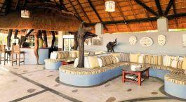 Lounge im Hotel Kafunta River Lodge, South Luangwa, Zambia