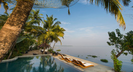 Enchanting Travels - Su00fcdindien Resien - Allapey - Malabar Escapes Purity Resort, Muhamma - Strand / Pool