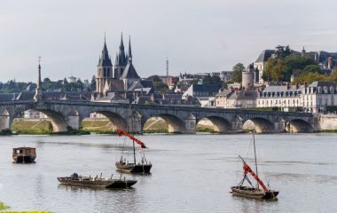 Bridge Jacques Gabriel in Blois, Chateau of the Loire Valley, France, Europe