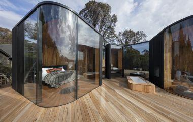 Bedroom, Freycinet Lodge,  Coles Bay/ Freycinet National Park, Australia