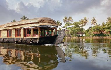 Allepey houseboat in the Kerala backwaters, South India, Asia