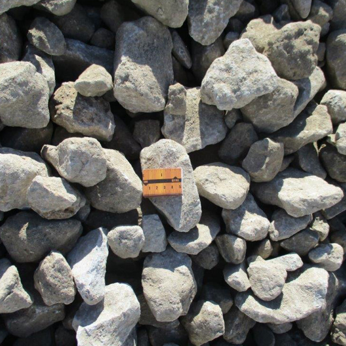 Gravel with the size of 0-90