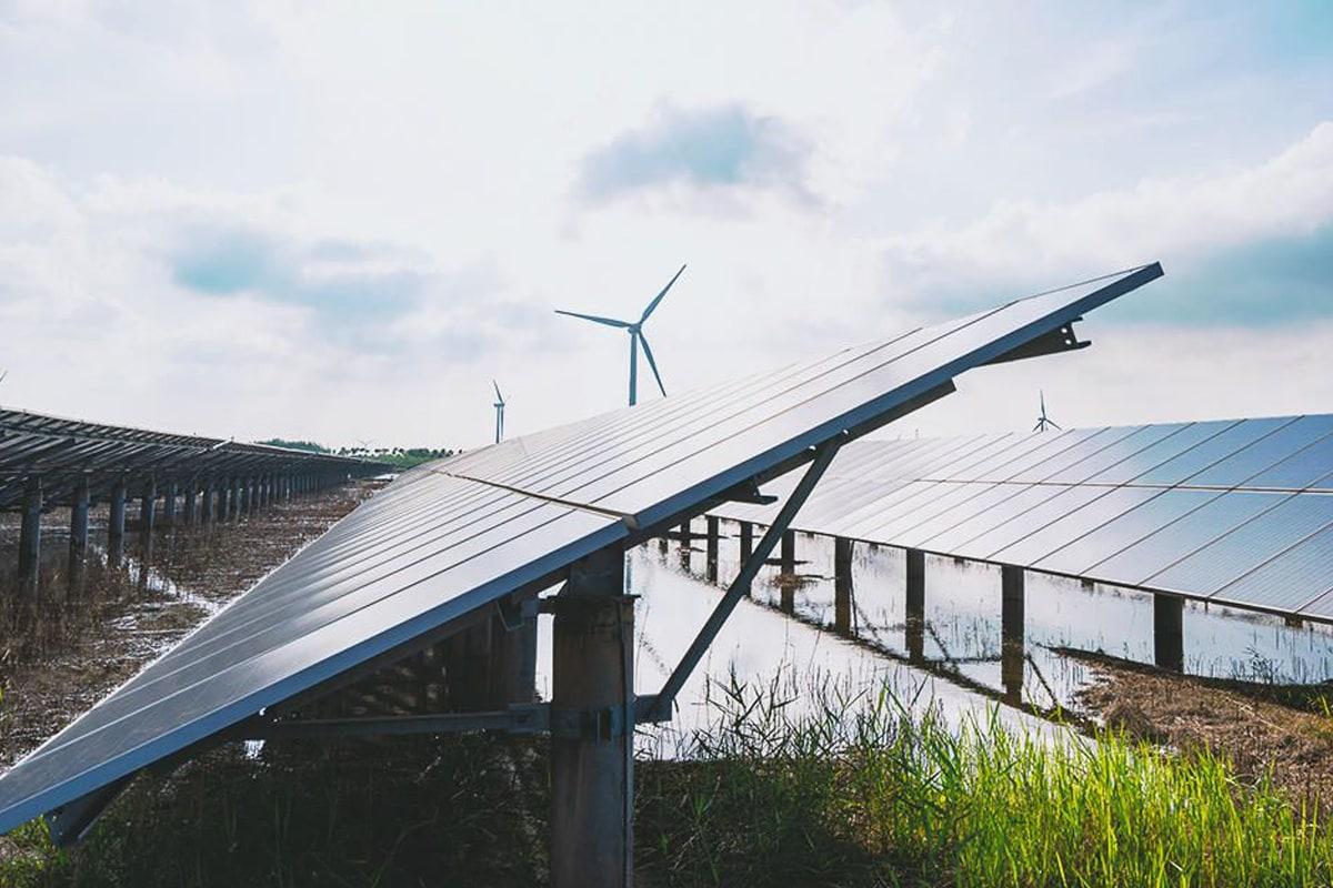 Wysoki wolumen produkcji pierwszych polskich farm fotowoltaicznych Enefit Green