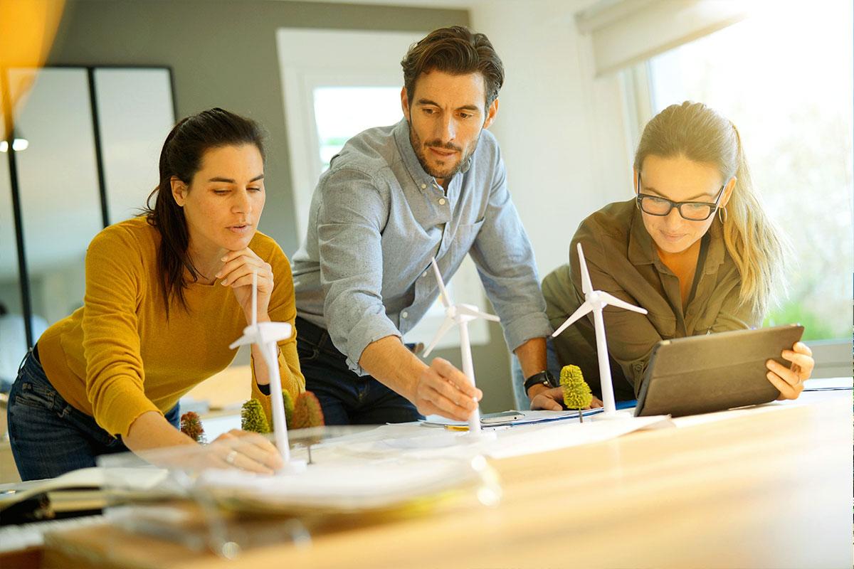 Eesti Energia, największy wytwórca energii elektrycznej w krajach bałtyckich, poprawia wyniki finansowe i rozwija działalność na nowych rynkach