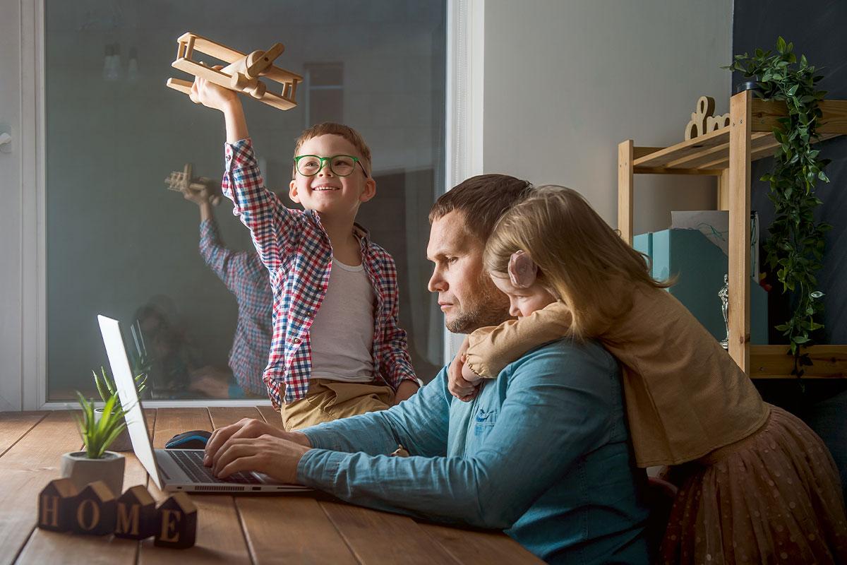 Elektrības cenas krīt, bet elektrības patēriņš mājsaimniecībās pieaudzis par 17%