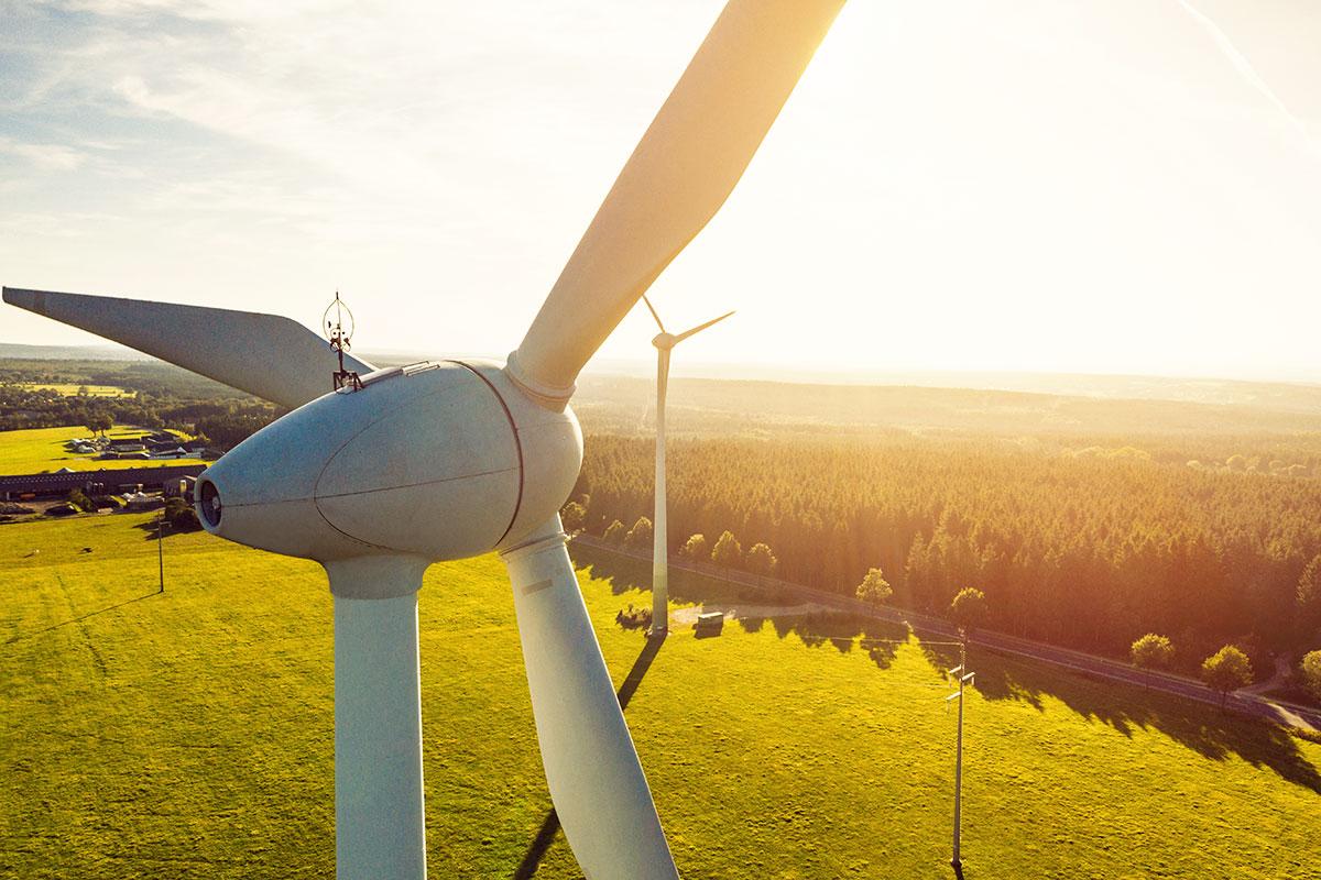 Enefit uzņēmumiem piedāvā vēja enerģiju tieši no ražotāja par līdz pat 30% zemāku cenu