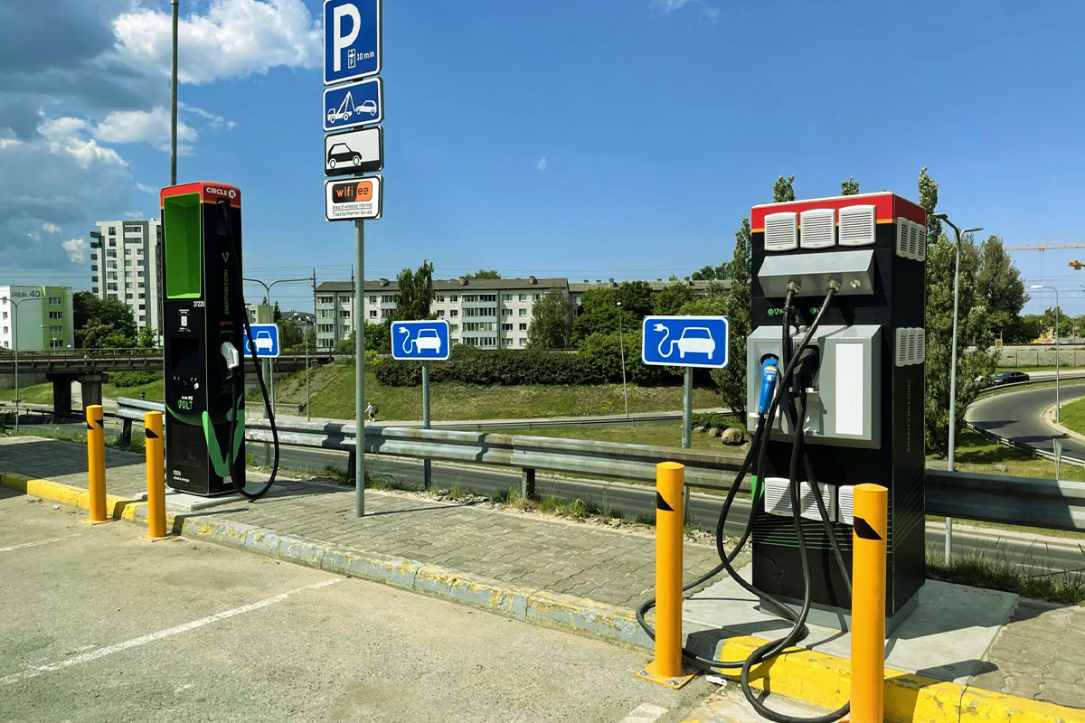 Enefit Volt opened a new ultra-rapid electric car charger at the Järve Circle K service station