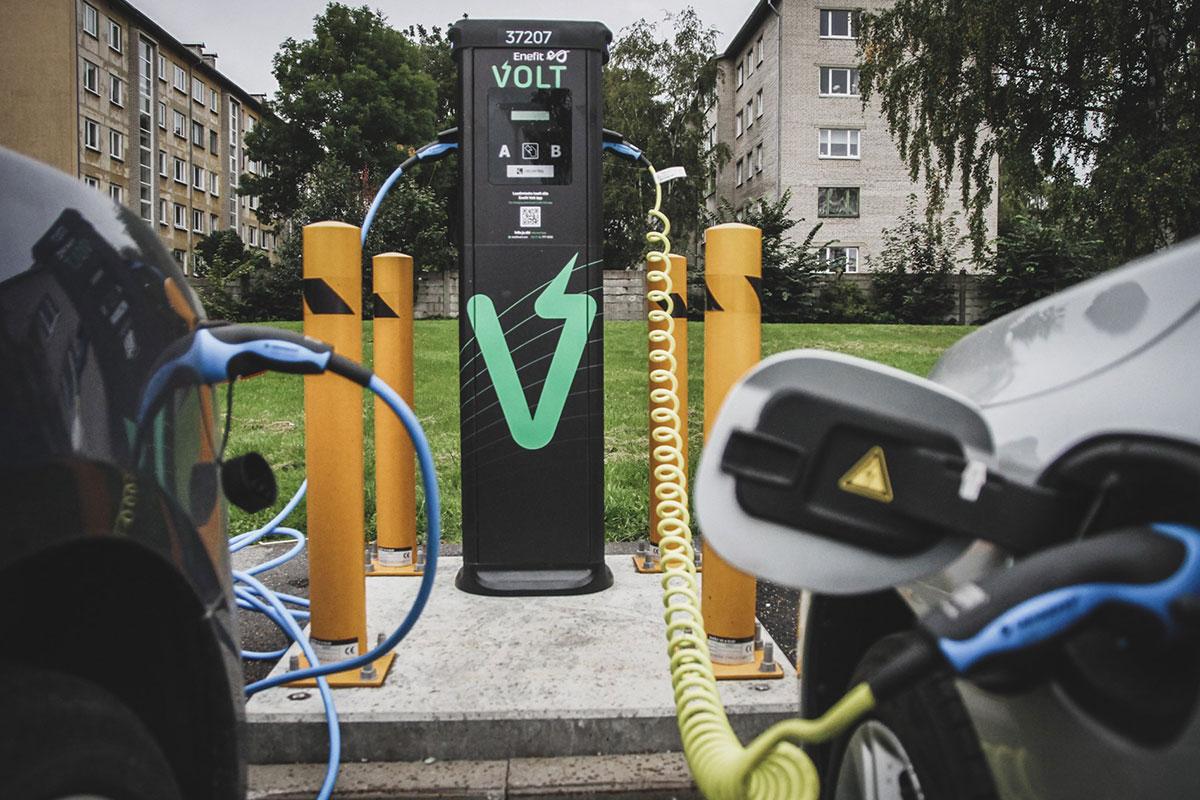 Kuum küsimus: kas korteriühistul on kohustus paigaldada elektriautode laadijaid?