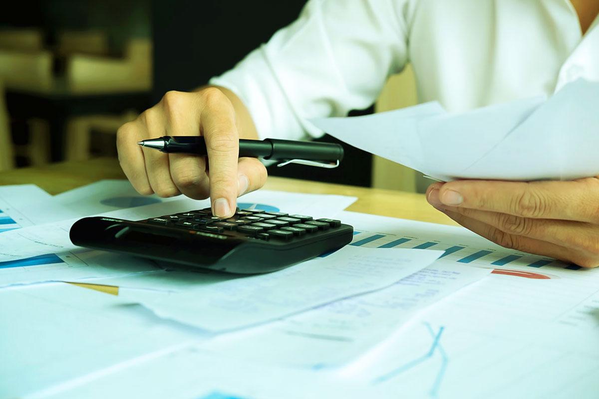 4 fakty na temat oszczędności kosztów energii elektrycznej w firmie produkcyjnej, które musisz znać