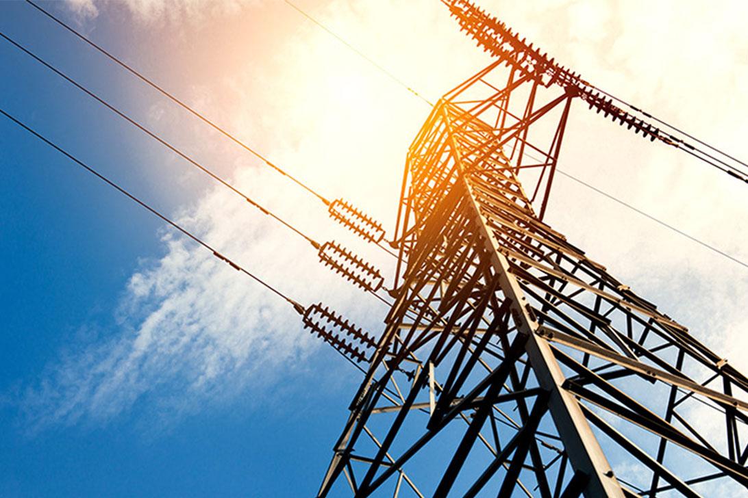 Nuo 2021 m. keičiasi elektros persiuntimo kainos verslui