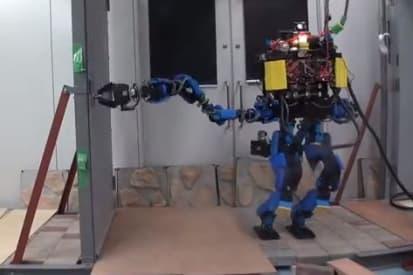 Amazon's Robotic Order Fulfillment > ENGINEERING com