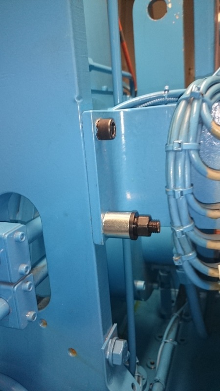 The best way to protect a bolt from loosening? - Machines ...