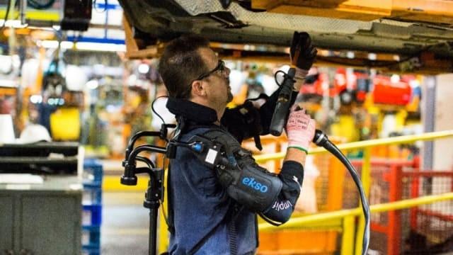 Ford stattet Montagearbeiter mit Exoskeletten aus