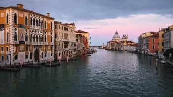 Lifeless Canale Grande—Venice. (Image courtesy of FRAMOUS