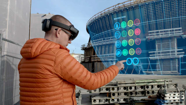 Bentley's SYNCHRO XR and Microsoft HoloLens 2 bring the benefits of mixed reality to construction sites. (Image courtesy of Bentley Systems)