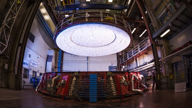 The lid of the furance for GMT mirror 5 positioned over the furnace, ready to be lowered into place. (Image courtesy of Giant Magellan Telescope – GMTO Corporation.)