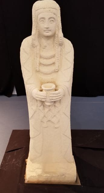 3D-Printed replica of the Great Lady Offerant. (Image courtesy of the author.)
