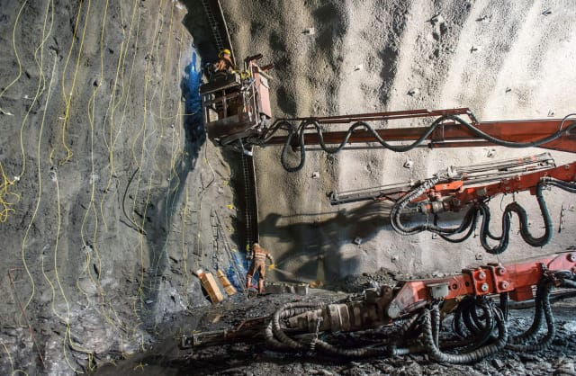 Approximately 1,900 workers are excavating 500m each week to complete the Brenner Base Tunnel using various methods. (Image courtesy of BBT SE.)