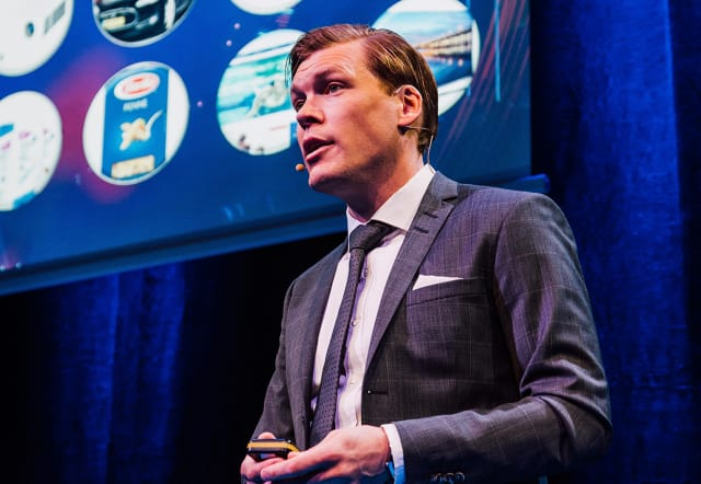 "REAL-TIME COLLABORATION. ""With the new solution, you can take advantage of the opportunity for real-time collaboration or new 3DEXPERIENCE features such as system engineering, electrical harness or simulation-driven design,"" says Dassault's Scandinavian country manager, Mårten Gustafsson."