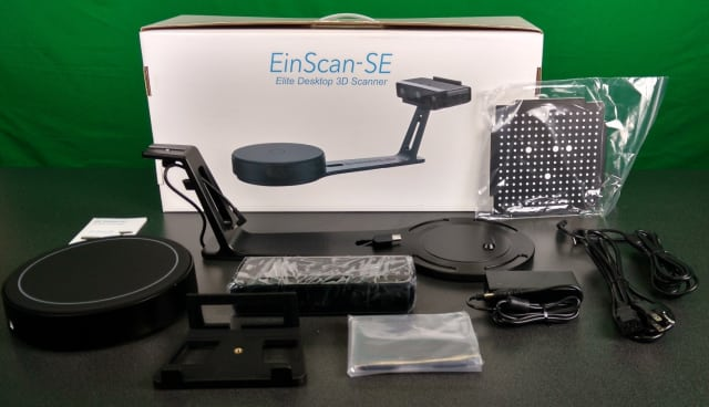 Contents of the EinScan-SE box.