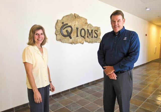A LARGE CUSTOMER BASE. IQMS is more famous in North America than in Europe, but has a large customer base with just over 1,000 companies. The company was founded by Randy and Nancy Flamm in 1989 (both in the picture). Randy Flamm is still chairman of the board. In 2017, IQMS reported annual sales of $59.8 million and had 315 employees.