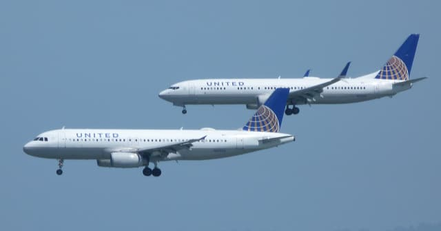 Pictured in this photo are rival aircraft United Airlines Airbus A320 and Boeing 737-800, who are approaching San Francisco International airport. Can you tell which is which? (Image courtesy of Bill Larkins.)