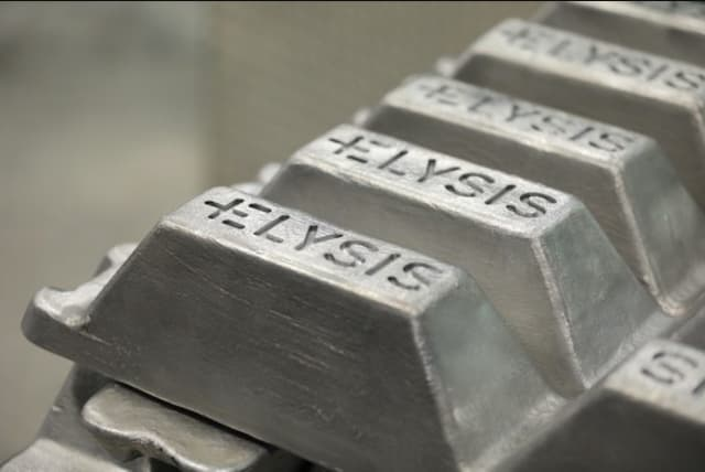 A new aluminum production process will result in no greenhouse gas emissions and produce oxygen. (Image courtesy of Elysis.)