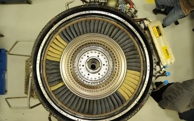 Blades coated with CMCs on a GE low-pressure turbine (LPT). Image courtesy of GE Aviation.)