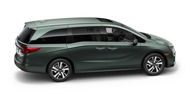 The 2018 Odyssey was introduced at the North American International Auto Show alongside Honda's announcements regarding its expanding electrification program. (Image Courtesy of Honda Inc.)