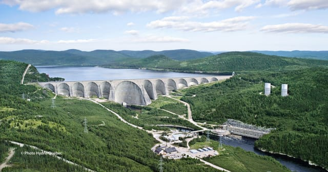 The Daniel-Johnson dam and Manic-5 generating station in Quebec. (Image courtesy of Hydro Quebec.