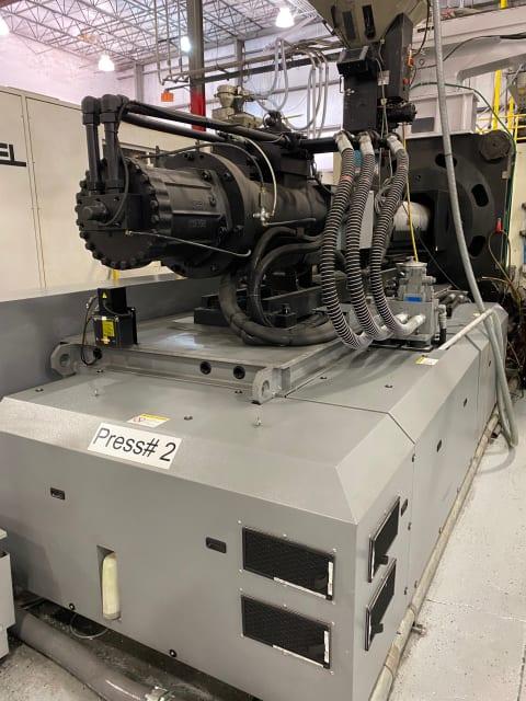 Injection molding machine (Image courtesy of Bloem).