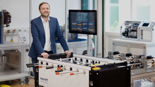 Bosch Rexroth's Hans Michael Krause poses with the KIcker system. (Image courtesy of Bosch Rexroth.)