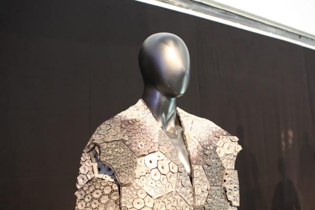 3D-printed fashion. (Image courtesy of Fira Barcelona.)