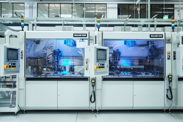Module production for BMW Group plug-in hybrid vehicles. (Image courtesy of BMW Group.)