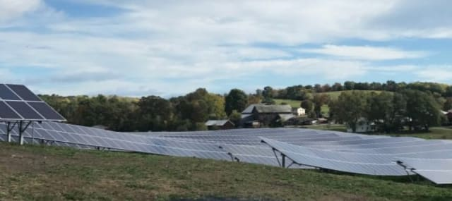 Solar field powering the Lamont-Doherty Earth Observatory. Image courtesy of Columbia University.