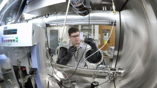 Scientists at the ReCell Center are developing ways to recycle Li-ion batteries. (Image credit: Argonne National Laboratory.)