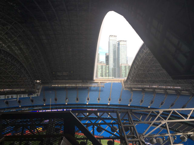 The Rogers Centre roof during a transition. (Image courtesy of JMP Engineering.)