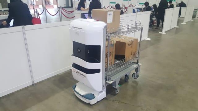 TUG material handling robot (Image credit: P. Keane)