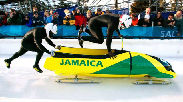 2-man bobsled team in action (ABC News)