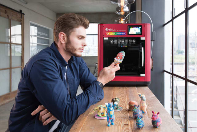 The da Vinci Color may be the first commercially available desktop 3D printer capable of printing full-color plastic objects. (Image courtesy of XYZprinting.)