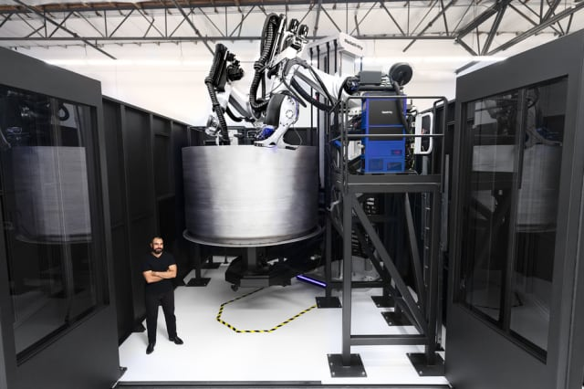Relativity's updated Stargate 3D printer. (Image courtesy of Relativity Space.)