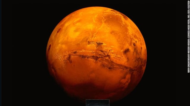 In the event of a manned Mars mission, the first landers would face inhospitable conditions. NASA'sHabitat Centennial Challenge is aimed at designing structures to help them survive.(Image courtesy of USGS Astrogeology Center.)