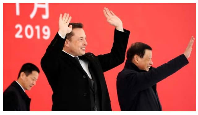 Elon Musk and Shanghai's mayor Ying Yong attend the Tesla Gigafactory groundbreaking ceremony in Shanghai on January 7th (Aly Song/Reuters)